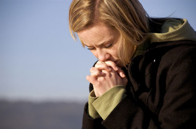 mujer_orando