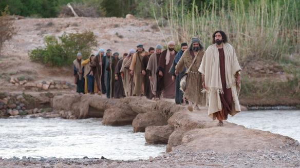 21_LUMO_Jesus_Disciples_1920